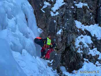 Ghiaccio, terra ed elicottero: il Soccorso Alpino si esercita a Gressan - AostaSera