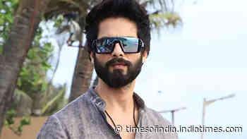 Shahid Kapoor wraps up shoot for 'Jersey' in Chandigarh, returns to Mumbai