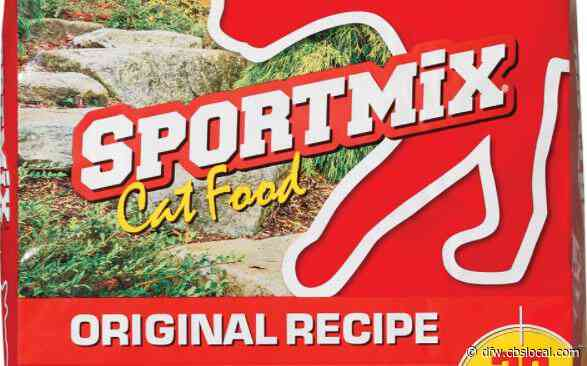 Sportmix Pet Food Recall Expanded After More Than 70 Dogs Die From Toxic Mold Poisoning