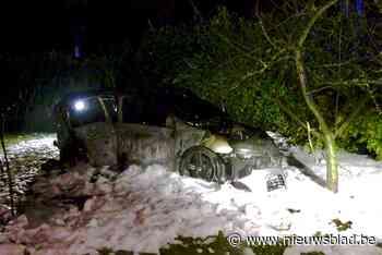 Man vlucht voor de politie, maar crasht en auto vliegt in brand: jaar cel geëist