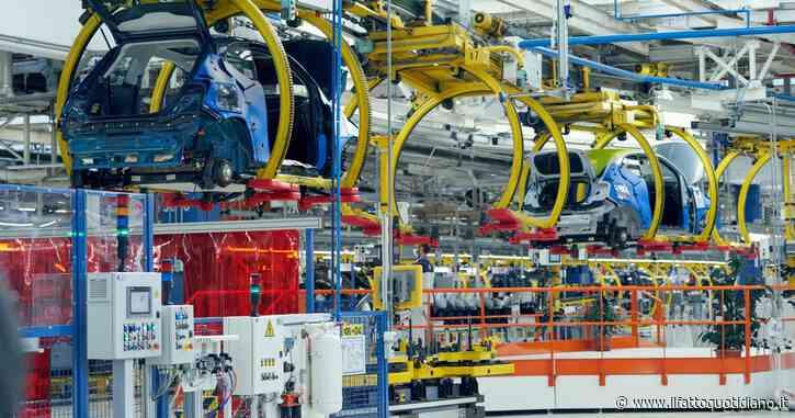 """Industria, produzione in calo a novembre (-4,2%). S&P: """"Ricavi a livelli pre-Covid nel 2022. Non esiste nessun caso Italia"""""""