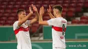 Waldemar Anton vor FC Augsburg-VfB Stuttgart - VfB Stuttgart