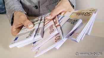 Besser bleiben lassen?: Warum uns die Geldanlage so schwerfällt