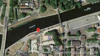 Tragischer Unfall: Volvo stürzt in Fluss - Fahrer und Sohn (9) tot