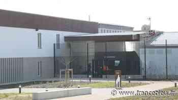 Deux surveillants du centre pénitentiaire d'Aix-Luynes agressés par un détenu - France Bleu