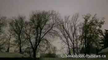 VIDEO: 'Lightning' flashes spotted in Saskatoon during winter storm may have been caused by power line sparks