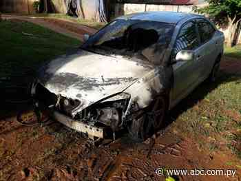 Denuncian incendio intencional de un vehículo en Acahay - Nacionales - ABC Color
