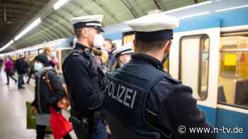 Querdenker-Treffen gesprengt: Schwarzfahrer ohne Maske schlägt Polizisten