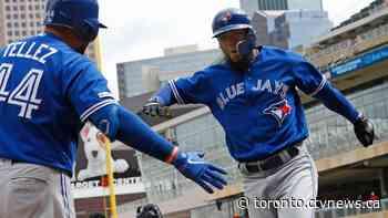 Toronto Blue Jays sign outfielder Teoscar Hernandez, pitcher Ross Stripling