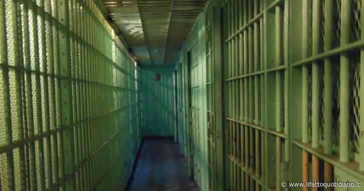 """Prima condanna per tortura, 3 anni a agente della penitenziaria: """"Agì con crudeltà"""". A processo altri due colleghi e un'infermiera"""