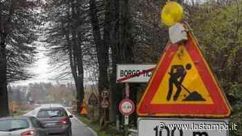 Cavo elettrico sulla carreggiata, riaperta la statale 32 a Borgo Ticino - La Stampa