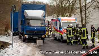 Lkw-Fahrer bei Wiesbaden tödlich verunglückt: Polizei sucht nach der Ursache