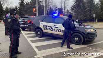 Crisis negotiators called after at least two people barricade themselves inside Oakville, Ont. home