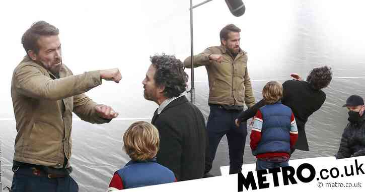 Ryan Reynolds punches Mark Ruffalo on set in scene for Netflix's The Adam Project