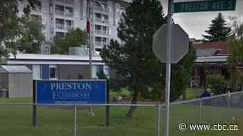 1 resident dead, 52 vaccinated in Saskatoon Extendicare nursing home outbreak