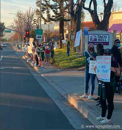 High School Sports #LetThemPlayCA rallies on social media