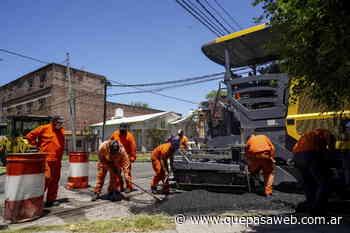 Obras de bacheo y asfalto en la localidad de Carapachay - Que Pasa Web