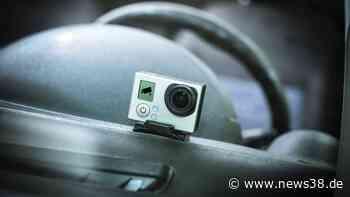 """Wolfsburg: Dashcam filmt irre Ampel-Szene – """"Was falsch gemacht?"""" - News38"""