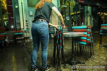 Christelle dort dans son café pour protester contres les mesures covid - Metro Belgique