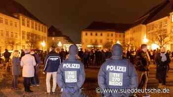 24 Anzeigen nach Corona-Protest in Hildburghausen - Süddeutsche Zeitung