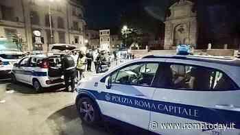 Troppi assembramenti a Roma, i vigili costretti a chiudere molte piazze della movida