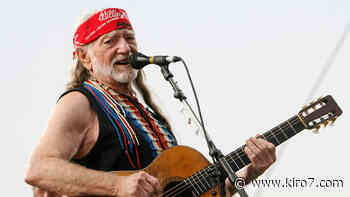 Country music legend Willie Nelson gets COVID-19 shot - KIRO Seattle