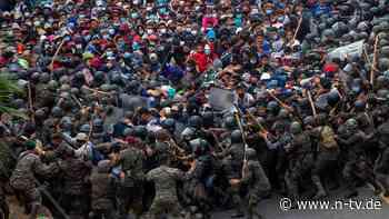 An der Grenze zu Honduras: Polizei setzt Tränengas gegen Migranten ein