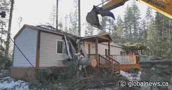 Kootenay woman narrowly escapes falling trees that destroyed her home