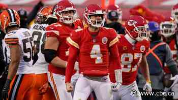 Kansas City fend off Browns despite Mahomes' concussion to keep repeat hopes alive