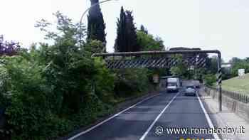 Via di Tor Pignattara, troppo pericoloso per pedoni e ciclisti andare sulla Tuscolana: scatta il mailbombing