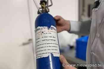 Gedrogeerde autobestuurder betrapt met meer dan 5 liter lachgas