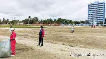 Distrito de Riohacha corta maleza que estaba afeando las playas de la ciudad - La Guajira Hoy.com