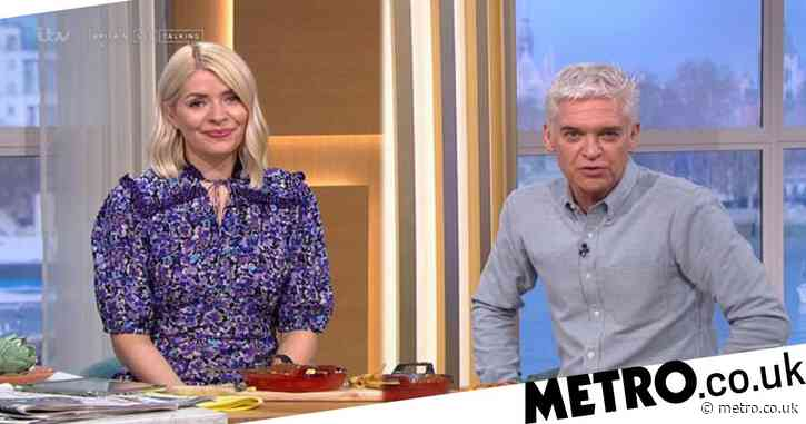 Holly Willoughby and Phillip Schofield congratulate Dr Zoe Williams as she announces she's pregnant