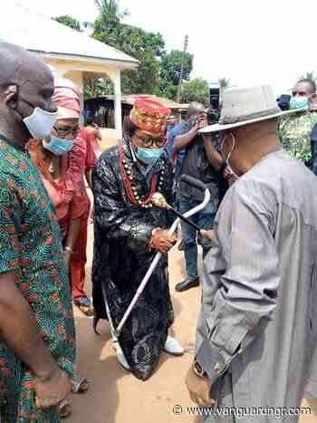 Photos: Jubilation as T.A. Orji commissions revamped Health Centre in Umuahia - Vanguard