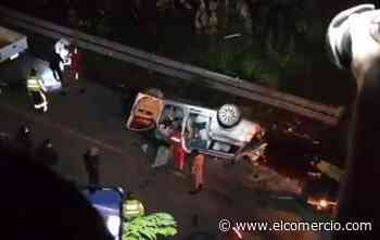 12 personas fallecieron en accidente de tránsito en la vía Balsapamba-Guaranda - El Comercio (Ecuador)