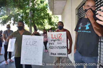 """Habitantes de """"El Nuevo Salitral"""" se movilizaron a la Cooperativa - El Diario de la Pampa"""