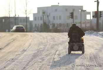 Tiefenbach - Polizisten retten Rollstuhlfahrer vor klirrender Kälte - idowa