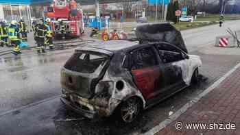 Lensahn: VW Polo brennt komplett aus   shz.de - shz.de