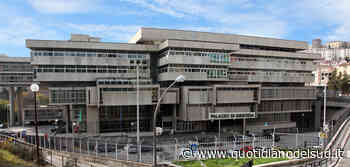Potenza tribunale da incubo, giudici costretti a farsi luce col cellulare - Quotidiano del Sud