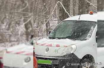Mais que faisait une voiture municipale de Montreuil à une manif anti-chasse à courre dans l'Oise ? - Le Parisien