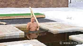 Orthodoxes Epiphanie-Fest: Putin taucht in Eiswasser ab