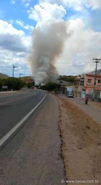 É falso que avião caiu em Quixeramobim; o que há é fogo em vegetação - O POVO