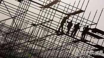 Viele Millionen Euro Schaden: Hunderte Beamte zerschlagen Bau-Netzwerk