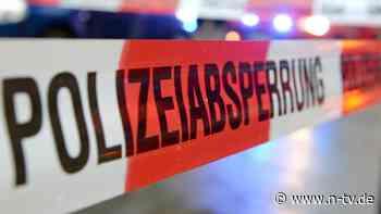 Auto komplett ausgebrannt: Mann und Kinder tot aus Wrack geborgen