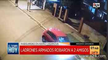Isidro Casanova: violento robo de un auto en 60 segundos Así los asaltan en La Matanza. - A24.com