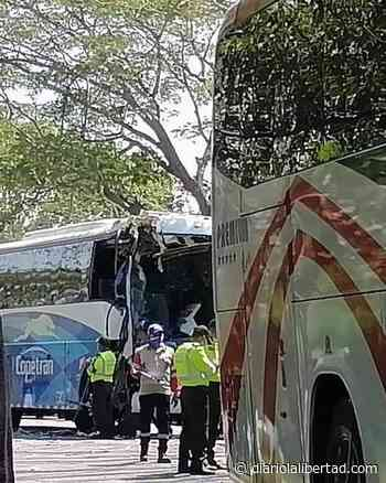 Accidente de transito entre dos buses en la vía entre El Copey y Fundación deja 6 lesionados - Diario La Libertad