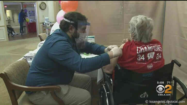 LA County Residents 65 And Older Struggle To Sign Up For COVID Vaccine Appointments