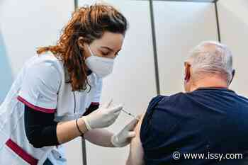 💉 ISSYTV | Mobilisation & vaccination ! Reportage au centre d'Issy/Vanves - issy.com