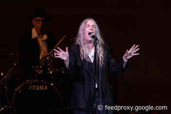 """Watch Patti Smith perform """"People Have the Power"""" for the inauguration"""