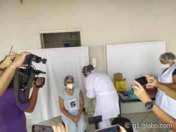 Enfermeira da UTI Covid-19 de Osvaldo Cruz é a primeira pessoa a receber a vacina no Oeste Paulista - G1